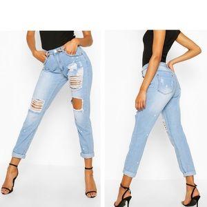 NWT Boohoo Sara Relaxed Open Knee Boyfriend Jeans